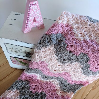 Vintage Ripple Baby Blanket 70*90cm in shades of pink and grey